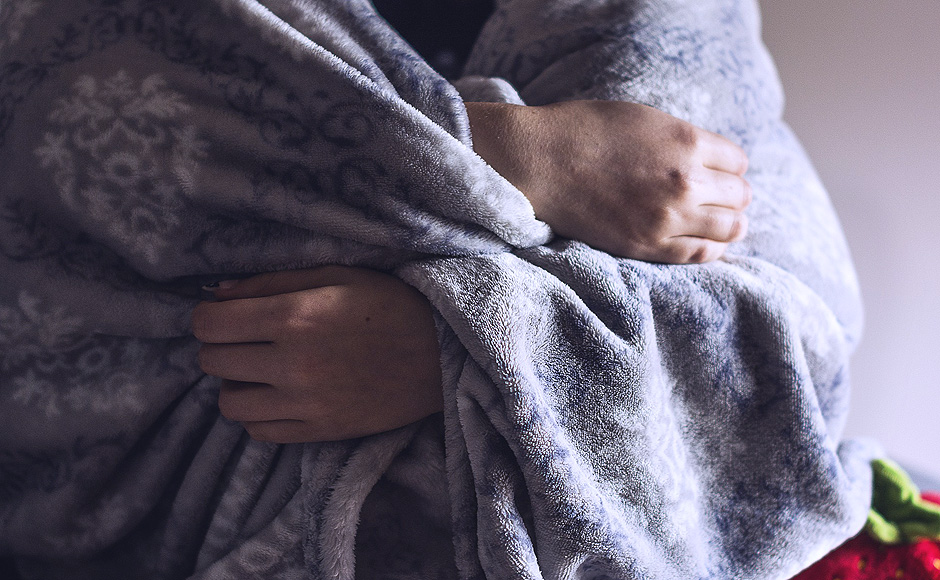 Cold woman with blanket - Free for commercial use No attribution required - Credit Pixabay
