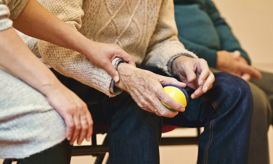 Old person holding ball - Free for commercial use No attribution required - Credit Pixabay