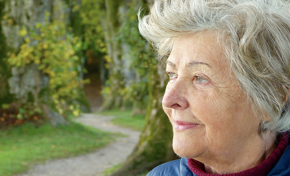 Older woman looking - Free for commercial use No attribution required - Credit Pixabay